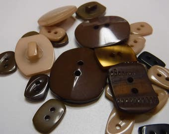 25 Brown Rectangle Buttons Multi Sizes