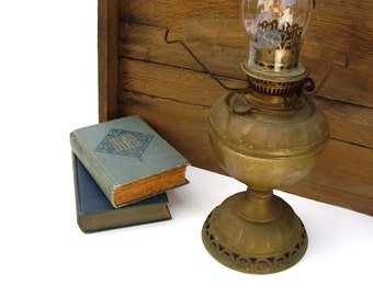 Antique Oil Lamp Brass Table Lamps Hurricane Glass Globe B & H Rayo Radiant Rare San Diego Lamp Co 1800s Rustic Farmhouse Lighting