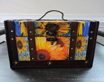 Trunk, Home Decoration, Home Decor, Decoupage Trunk, Sunflower, Decoupage, Storage Trunk, Decoupage Box, Flower Trunk, Flowers, Floral