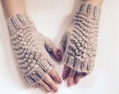 Women's beige wool fingerless gloves