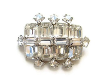 Weiss Clear Rhinestone and Silvertone Vintage Brooch Pin Signed