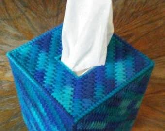 Macaw Plastic Canvas Tissue Box Cover
