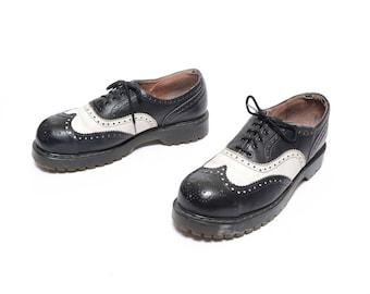 vintage 90s Vegetarian Shoes black white spectator wingtip oxford creeper rockabilly Doc Martens style brogue shoes mens 9