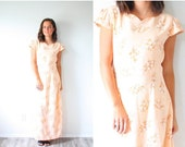 30% OFF VALENTINES SALE Vintage Peach floral 70's dress // summer boho dress // maxi floral short sleeve dress // tan peach light pink flora