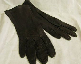 Short Brown Soft Leather Gloves