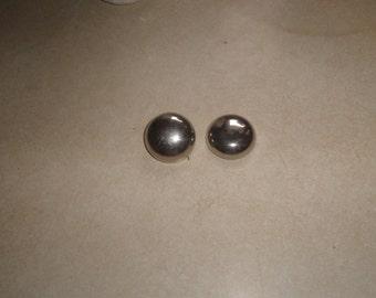 vintage clip on earrings silvertone circles