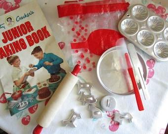 Betty Crocker Toy Baking Set    Vintage Toys   Junior Baking Set