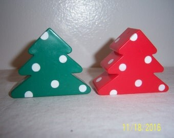 1990s Christmas Tree Shaped Salt and Pepper Shakers - Retro Christmas Decoration -  X-mas Tree S&P -  Holidays Decoration -  Kitchen Gadget