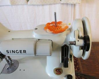 Spool Pin Doily (Multi-Oranges)