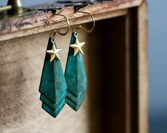 Geometric Star Earrings Verdigris Patina Dangle Earrings Military Style Earrings Gold Brass Star Charms Geometric Jewelry - E341
