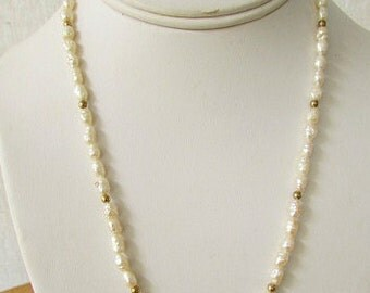 vintage 80s fresh water pearl and gold bead necklace