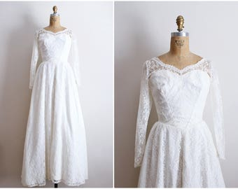 Vintage 50s Sweet Selena Lace tulle Wedding Dress / 1950 Wedding dress / Bridal Gown /Bullet Bra Wedding Dress / Size small
