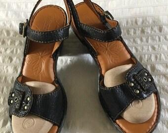 SPRING CLEANING SALE Born Designer Brown Leather Strap Sandal Size 9-M