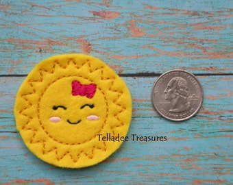 Sunshine feltie with yellow felt - Great for Hair Bows, Reels, Clips and Crafts - Happy sunny sun smiling face with bow