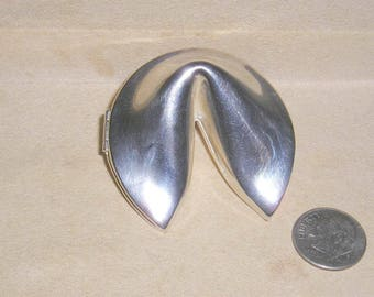 Vintage Shiny Silver Tone Hinged Fortune Cookie Trinket Box With Latch Jewelry 1970's