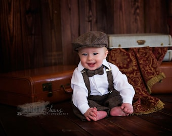 Newsboy Cap Diaper Cover Suspenders Bow Tie Set - One Year Old Birthday Photo Prop - Infant Hat Suspenders Diaper Cover Bow Tie - Cake Smash