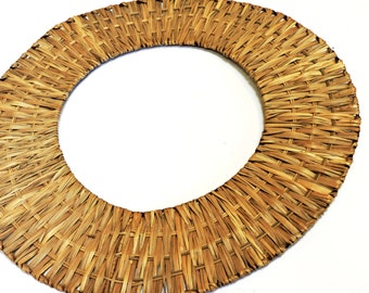 Wicker Wreath, DIY Round 18 inch diameter, Vintage Natural Woven Wicker Wreath Base on Metal Frame, Floral Craft Supply itsyourcountry
