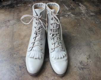 Size 6  1/2 B / Western Lace Up Boots / Vintage lightest Grey Leather Ropers / Justin Boots