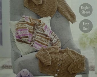 Baby Knitting Pattern K4910 Baby's Easy Knit Moss Stitch Cardigans & Jumper Knitting Pattern DK (Light Worsted) King Cole