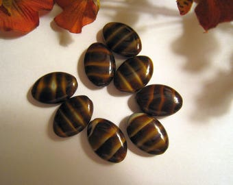 Striped Brown Glass Bead - Puffed Oval Shape - Beige Tan Stripes - 14mm x 20mm x 6mm - Set of 8