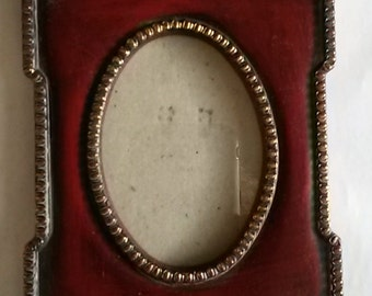 Vintage Rectangular Burgundy & Gold Trim Picture Frame holds Oval Photo w/Box and Easel