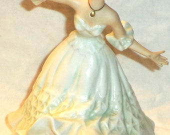 Wallendorf Art Deco Ballerina Lady Dancer Porcelain Figurine