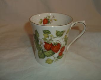 Queen's English Bone China VIRGINIA STRAWBERRY Coffee Mug Cup Vintage