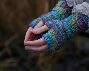 The Iris Crochet Fingerless Gloves