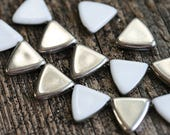 Silver Triangle beads, White and Silver 13mm side drilled czech glass beads - 15Pc - 2933
