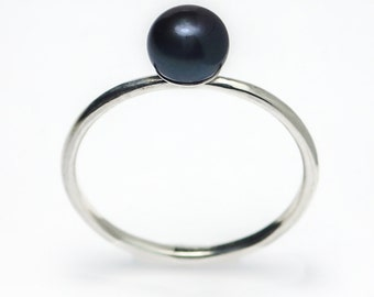 Pearl Ring, Dainty Stackable Sterling Silver Peacock Freshwater Pearl Ring, Black Pearl Ring, Simple Pearl Ring, Pearl Ring Silver, Pearl