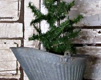 Vintage Rusty Metal Coal Bucket **Free Shipping**