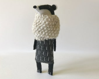 Badger Toy In A Knitted Scarf, Budger Stuffed Animal, Felt Animal Toy, Woodland Softies, Woodland Animals, Stuffed Toys