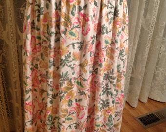Karen Scott Skirt c 1980's Poly Cotton Floral, Side Pockets, Elastic Waist, size M