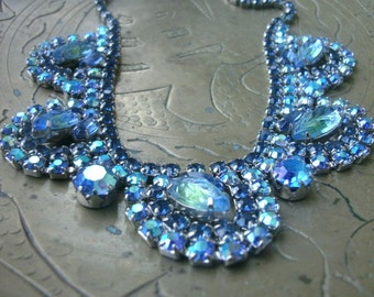 Vintage blue ab rhinestone necklace