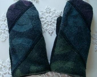 SALE!! Black Wool Sweater Mitten