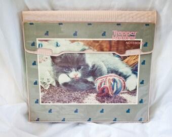 80s Kitten Trapper Keeper - Pink grey green folder - Vintage Mead cat yarn notebook