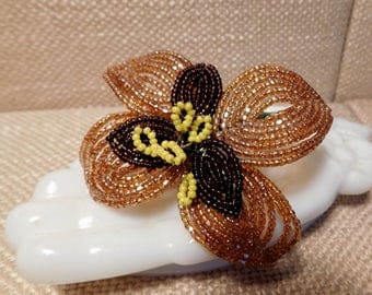 Vintage Glass Beaded Flower Brooch Pin