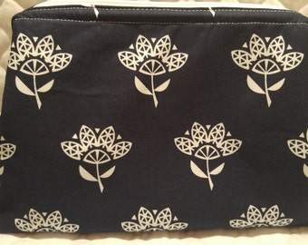 Cotton and Steel Large Retreat Bag