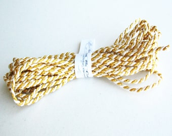 3/4yd twine gold with white cord -gift wraping-paching-decor-favor-tag cord