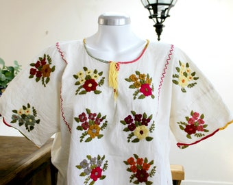 Embroidered mexican tunic,Undyed Manta,cotton blouse,Multicolor flowers,hand Embroidery,Boho shirt,bohemian Top,floral,Women,size XL.