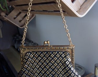 40s WHITING&DAVIS GOLD w/ Black Small Chain Bag with Art Deco Edging and Gold Handle