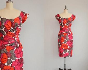 Vintage 1950s Dress / 50s Hawaiian Wiggle Dress / Floral Print Dress