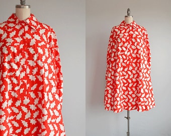Vintage 70s Marimekko Dress / 1970s Mod Graphic Leaf Print Tent Shirtdress Red and White Finland / Design Research