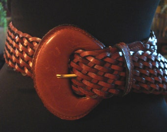 Vintage 1980s Boho Hippie Caramel Leather Large Buckle Weaved Belt