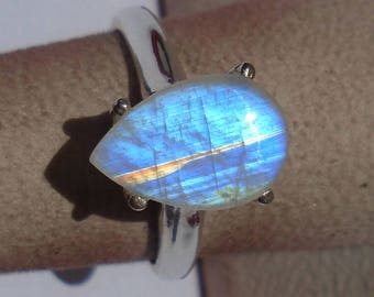 Rainbow Moonstone Sterling Silver Ring Size 7