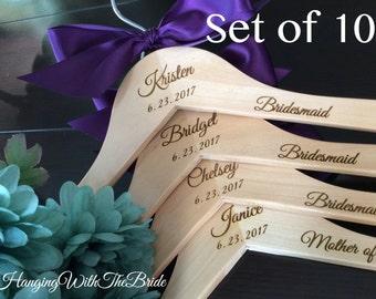 Set of 10 Wedding dress hanger, Wooden Engraved HangerCustom Bridal Hangers,Bridesmaids gift, Wedding hangers with names,Custom made hangers