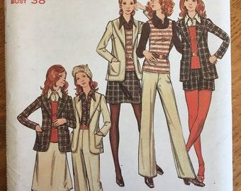 UNCUT 1970s Misses' Jacket Skirt Pants Shorts & Top Butterick Pattern 6508