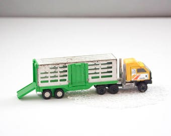 Vintage Toy Tonka Truck With Metal Trailer