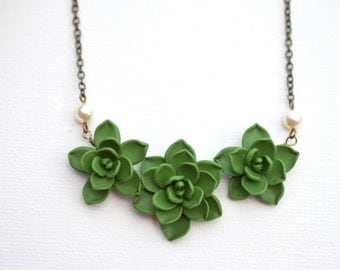 Trio Succulents Centered Necklace in Fresh Green. Succulent Necklace. Succulent Jewelry
