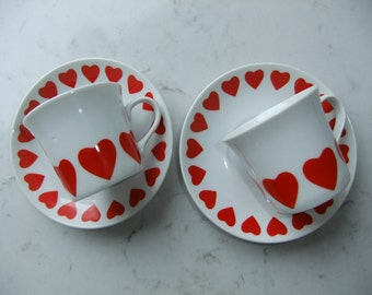 Vintage Set of two sweet heart shaped coffee cups and saucers - Thun Tjeckoslovakien